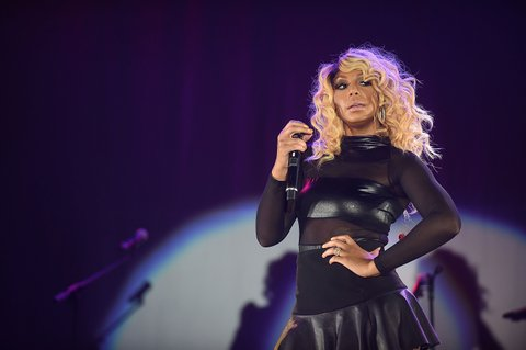 ATLANTA, GA - OCTOBER 11:  Recording artist Tamar Braxton performs onstage at the 2014 V-103 For Sisters Only at Georgia World Congress Center on October 11, 2014 in Atlanta, Georgia.  (Photo by Paras Griffin/Getty Images)