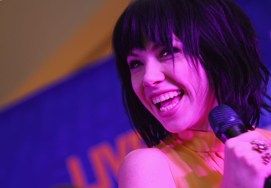 Carly Rae Jepsen goes viral with new song 'Cut to the Feeling'