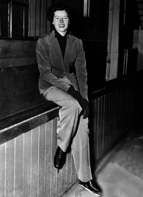 UNITED STATES - AUGUST 01: The American actress Katharine HEPBURN photographed on August 1, 1936, while she was learning how to ice skate. (Photo by Keystone-France/Gamma-Keystone via Getty Images)
