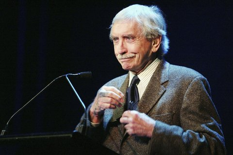 NEW YORK - MAY 10: (U.S. TABS & HOLLYWOOD REPORTER OUT)  Edward Albee speaks during the Dramatists Guild Fifth Annual Benefit Dinner at the Hudson Theater May 10, 2004 in New York City. (Photo by Scott Gries/Getty Images) *** Local Caption *** Edward Albee