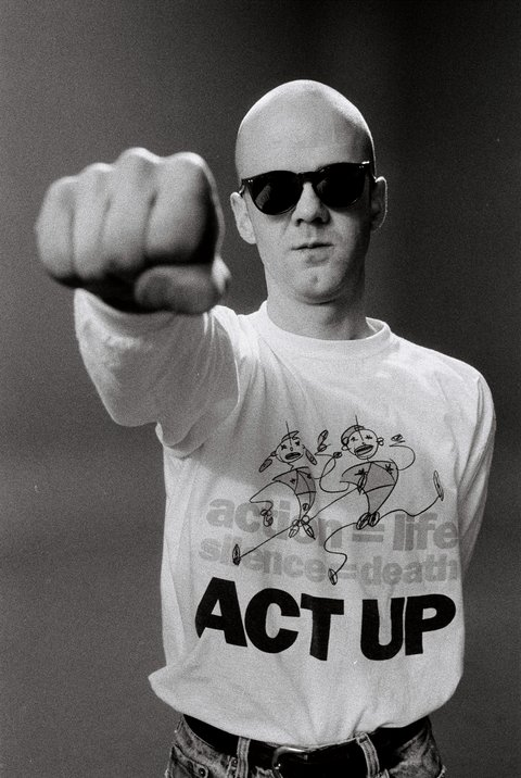 LONDON - 1st JANUARY: Scottish singer Jimmy Somerville posed wearing an Act Up t-shirt in London in 1987. (Photo by Clare Muller/Redferns)