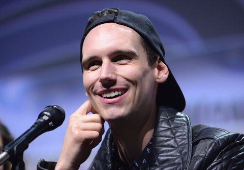 ANAHEIM, CA - APRIL 02:  Actor Cory Michael Smith of Fox's 'Gotham' on Day 3 of WonderCon 2017 held at Anaheim Convention Center on April 2, 2017 in Anaheim, California.  (Photo by Albert L. Ortega/Getty Images)