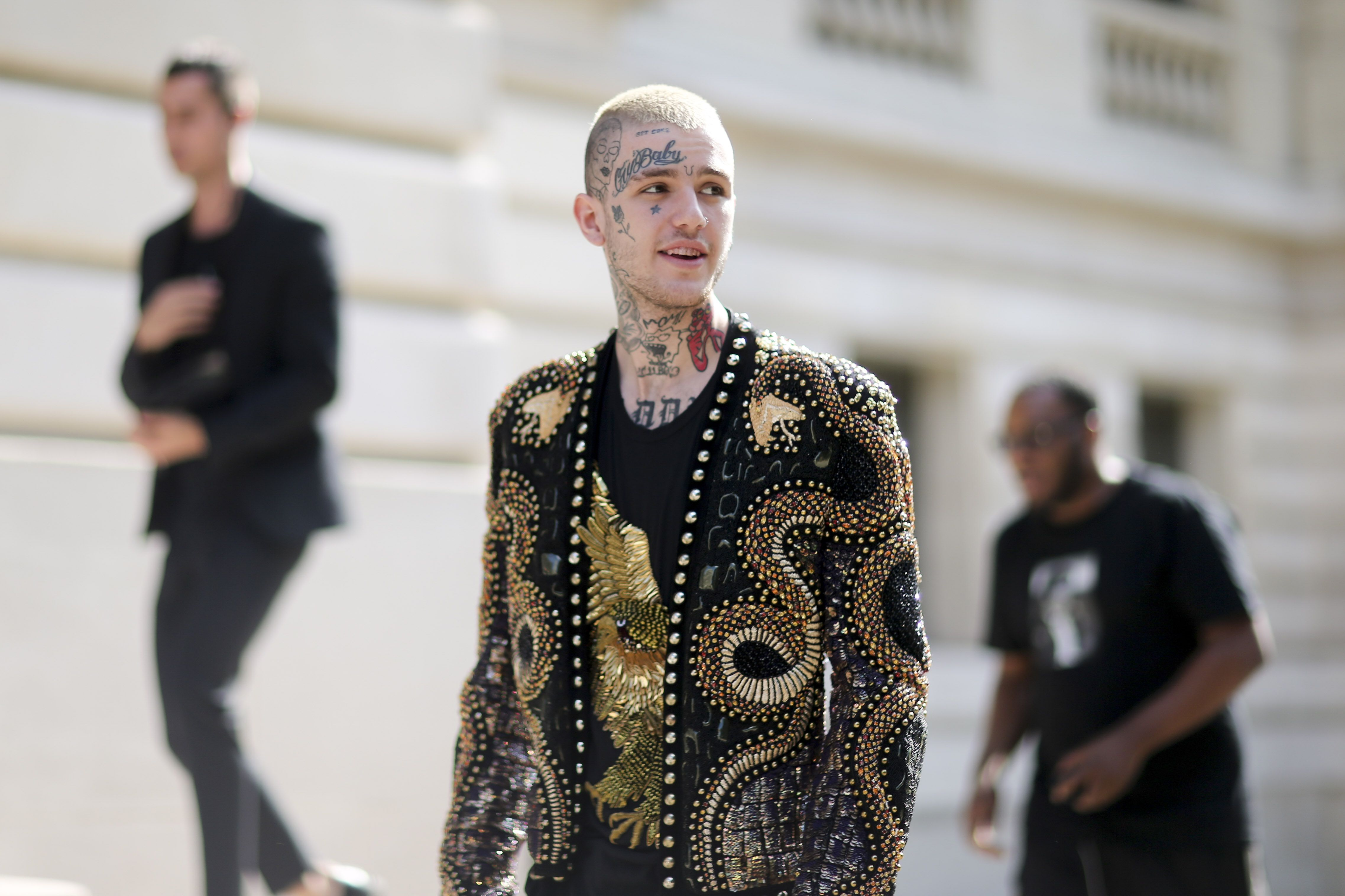 Police Open Investigation Into Death Of Bisexual Rapper Lil Peep ...
